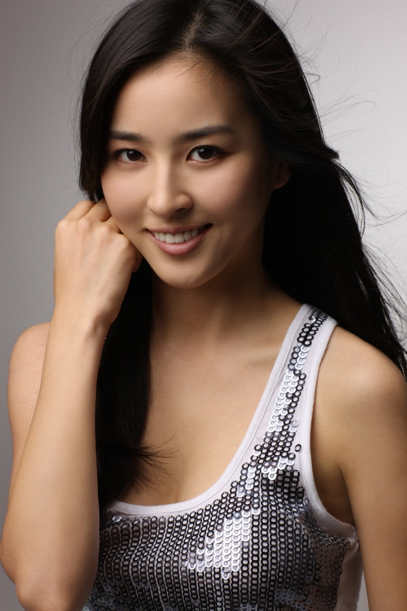 if you have any Han Hye Jin pics want to share with other fans ...