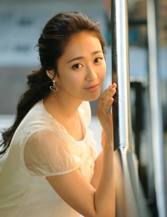 if you have any Kim Min Jung pics want to share with other fans ...