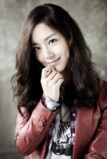 Moon Chae Won 02