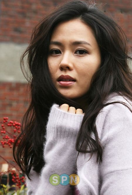 To download the Son Ye-jin - Photo Gallery just Right Click on the ...