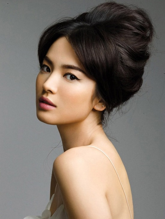 if you have any Song Hye Gyo pics want to share with other fans