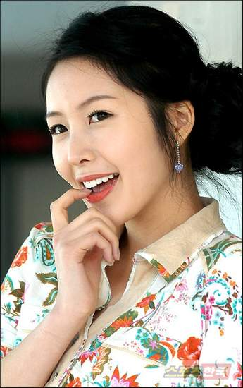 if you have any Shin Joo Ah pics want to share with other fans