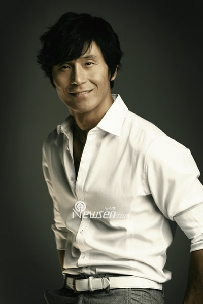 Lee Jung Yong 03