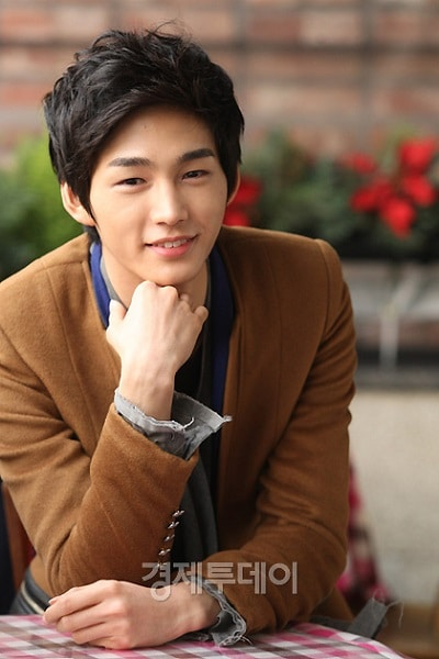 Lee Won Geun 02
