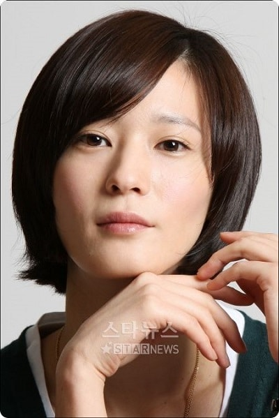 Lee Young Jin 01